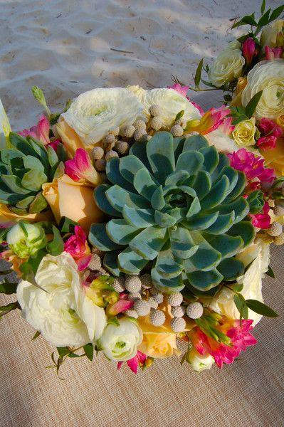 Tulum wedding flowers 25